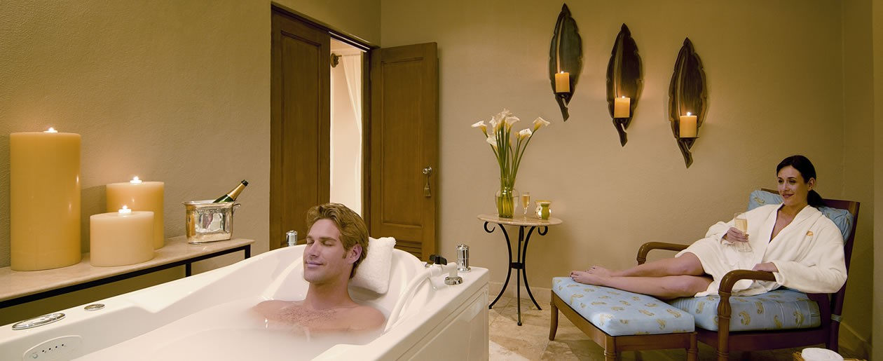 Receive couples massages and spa credits on your destination wedding honeymoon.