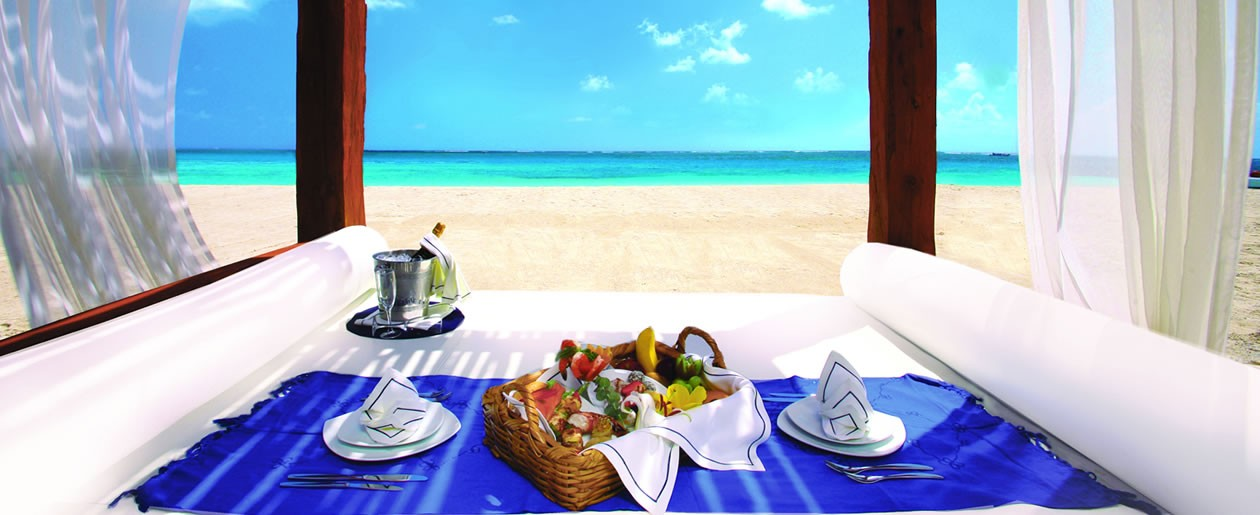Azul Beach Hotel, by Karisma offers wedding and honeymoon getaway romance.