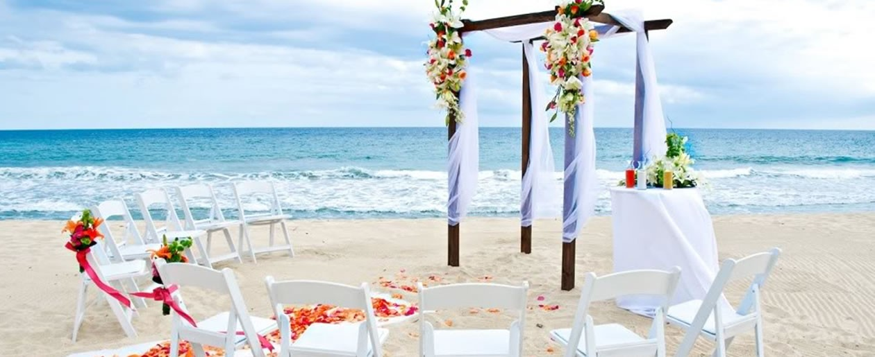 A simple yet beautiful wedding gazebo set up at the Barceló Grand Faro Los Cabos.