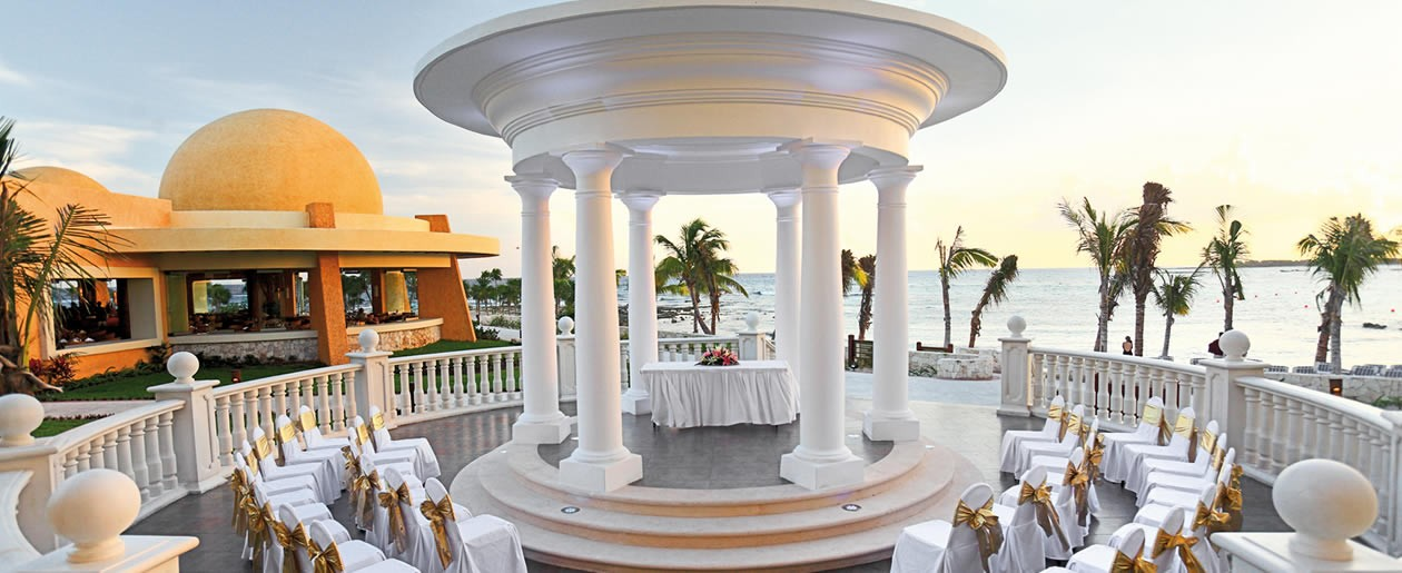 A beautiful wedding setup at the Barceló Maya Palace Deluxe wedding gazebo.