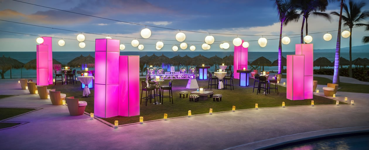 Splash party setup at the Hard Rock Vallarta to welcome your wedding guests.
