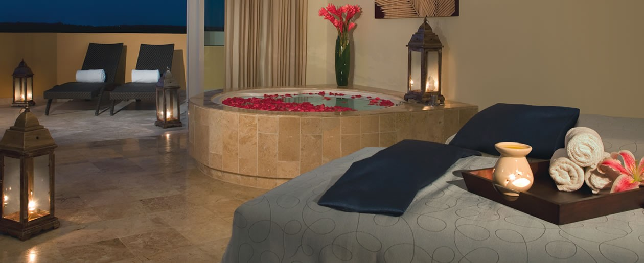 The world-class spa ensures a relaxing and tranquil ambiance to enjoy a variety of spa treatments.