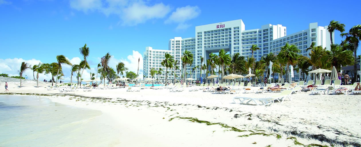 Spectacular white sand beach at the Riu Palace Peninsula perfect for your Cancun beach wedding.