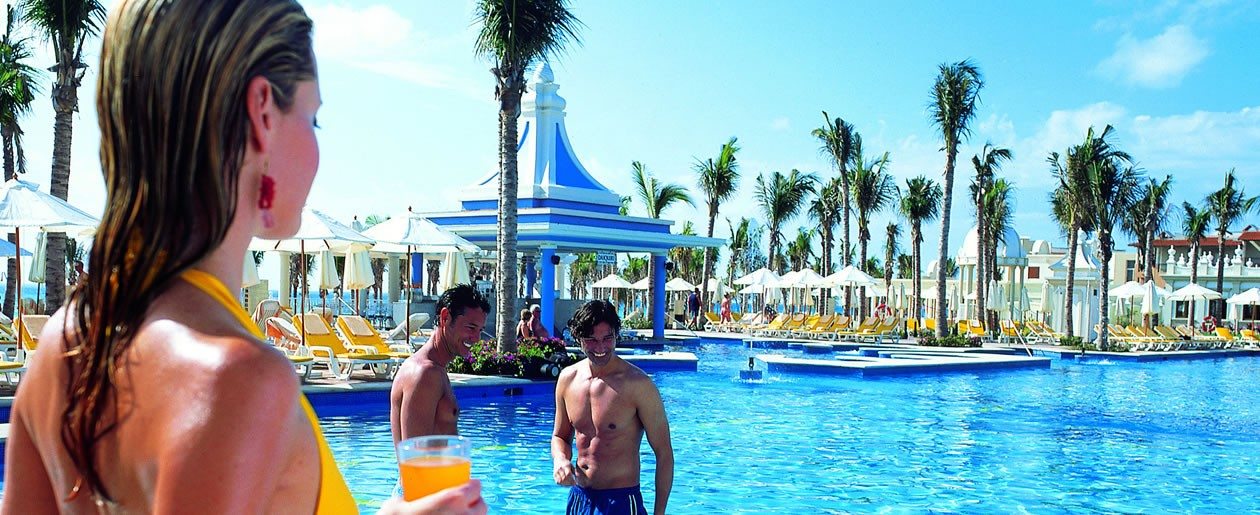 Enjoy a drink or two at the all inclusive Riu Palace Riviera Maya.