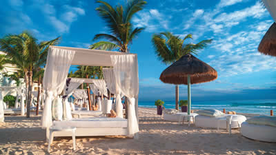 Now Emerald Cancun Weddings