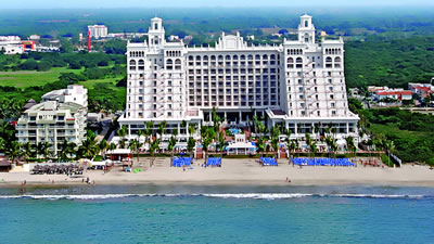 Riu Palace Pacifico destination wedding resort